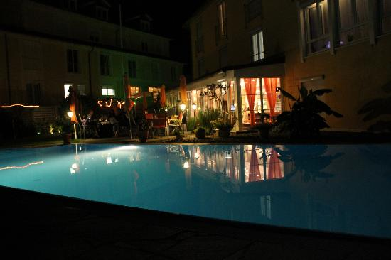 Hotel Andante : by night