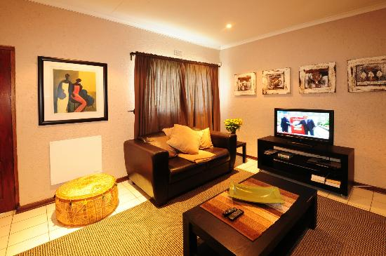 Ten On Edison Guest House: Umhlanga lounge