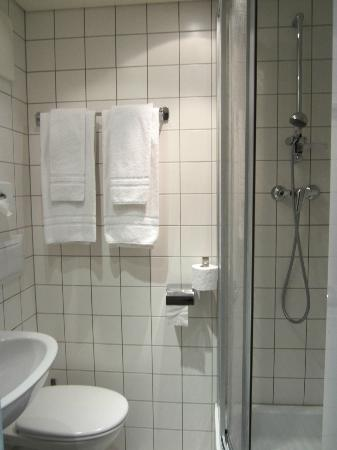 AllYouNeed Hotel Vienna 4: Baño