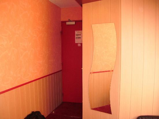 Au Relais Saint Eloi : Room/ Chambre