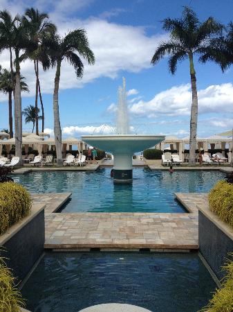 Four Seasons Resort Maui at Wailea: One of the beautiful fountains.