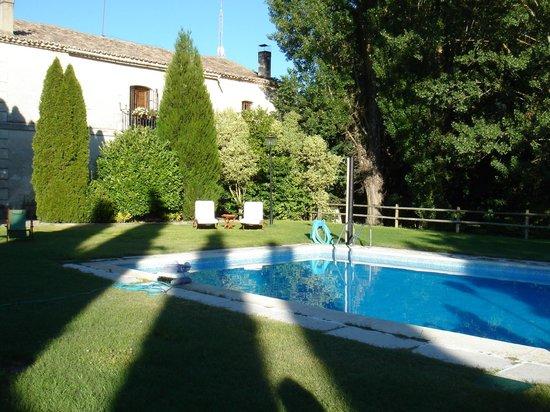 El Molino del Valcorba: la piscina , es buenisssssima