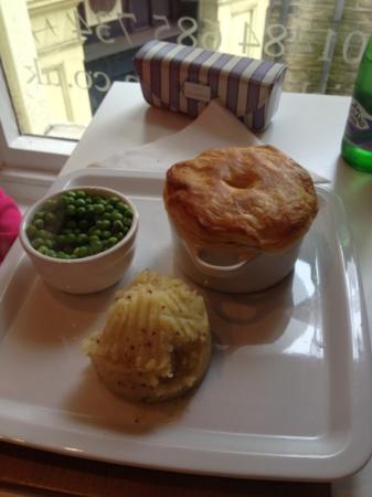 Nick's Kitchen: chicken and ham pie