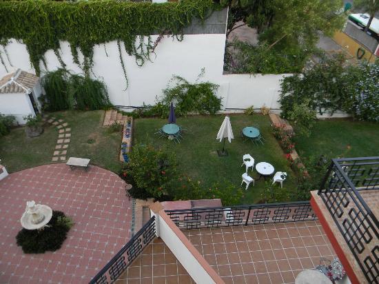 Hotel Carmen Teresa: vue du jardin