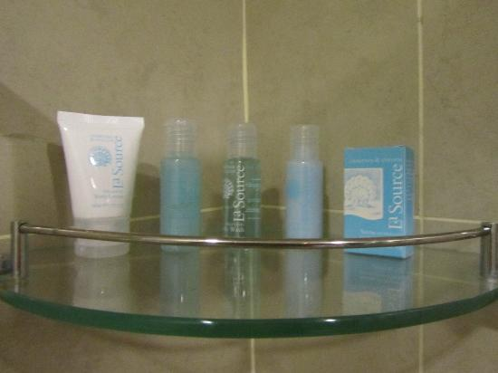 Furama Bukit Bintang: The toiletries, Crab and Evelyn