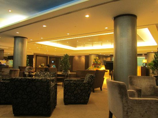 Furama Bukit Bintang: The Lobby / Bar