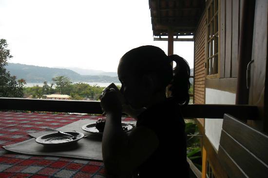 Pousada Morro do Forte: Café da manhã na varanda