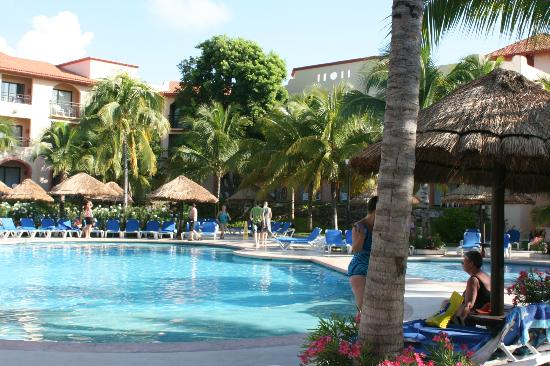 Sandos Playacar Beach Resort: Pileta