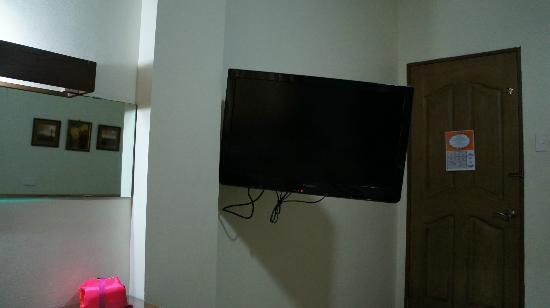 Las Casitas de Angela II: huge TV