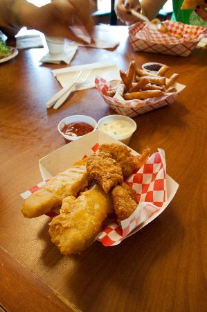 ARROWLEAF ICE CREAM & GRILL: seafood basket