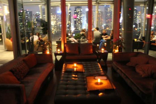 Ink48 - a Kimpton Hotel : dentro del rooftop bar