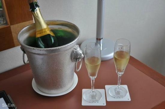 The Cityview Hong Kong : Champagne
