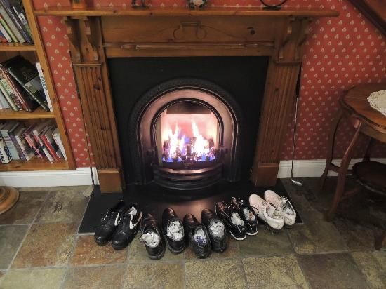 Killarney Lodge : How Irish Golfers dry their shoes after a wet day at Killarney Killeen