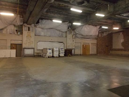 Buffalo Central Terminal: Faded glory of the cocktail lounge