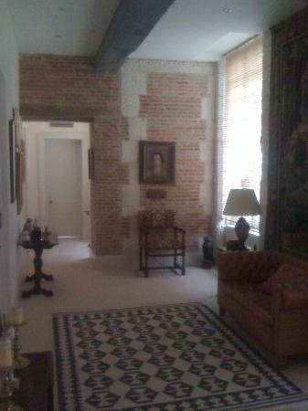 Chateau de Saint Maclou la Campagne: Sitting room outside first floor bedroom