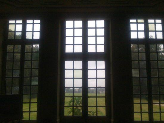 Chateau de Saint Maclou la Campagne: The view through the front windows onto grounds