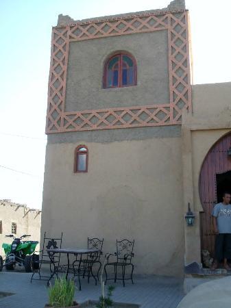 Riad Aicha: Fachada exterior