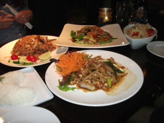 Chai Thai Kitchen: Our dishes ofTthai food that three of us shared.