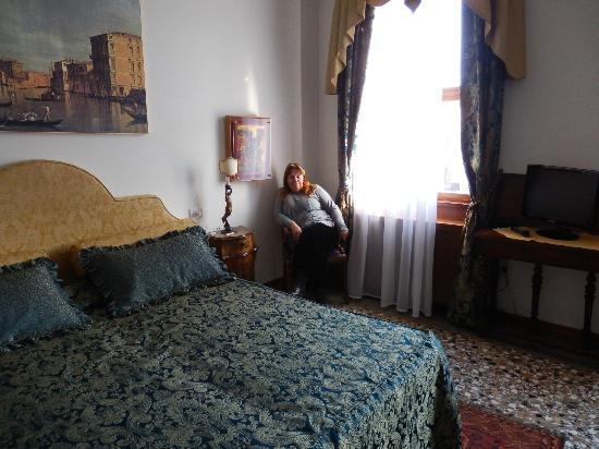 Ca' Angeli: habitacion muy buena con dos ventanas al gran canal
