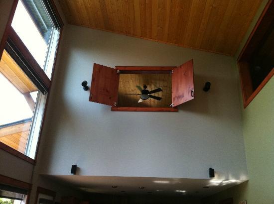 Cedar House Restaurant & Chalets: La chambre du haut