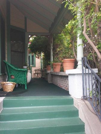 A White Jasmine Inn: Front porch toward the Castaway room