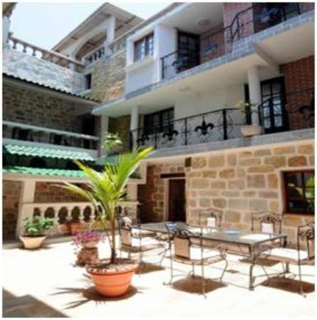 Residence Hôtelière Océane : Le patio