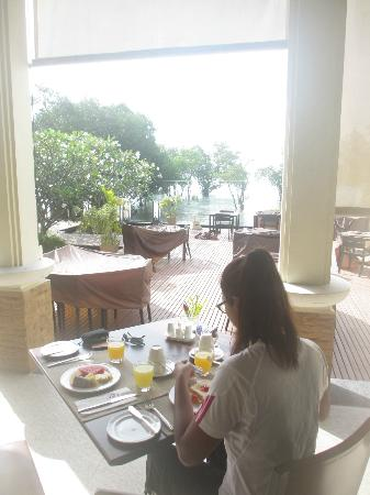 Bhu Nga Thani Resort and Spa: Breakfast
