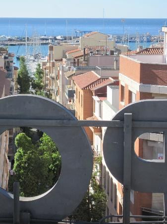 Port Eugeni: View from roof