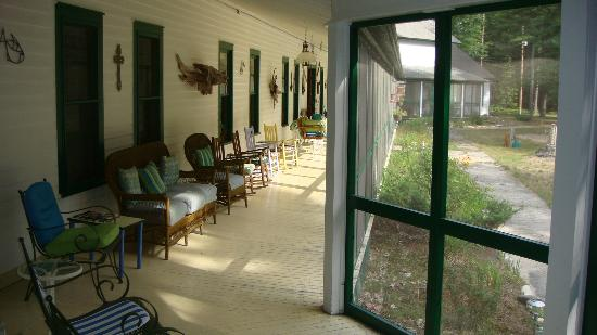 The Brothers Place: The porch...I could've spent hours out here relaxing