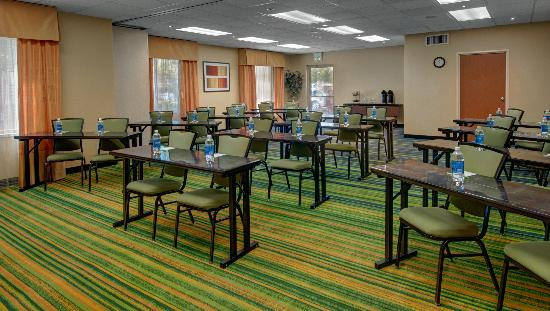 Fairfield Inn & Suites Denver Airport: Meeting Space Available!