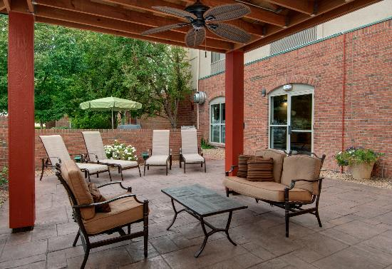 Fairfield Inn & Suites Denver Airport: Patio