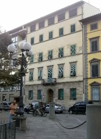 Hotel Andrea: not a palace on outside