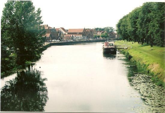 Chambre d'Hotes Cap et Marais d'Opale: canal view