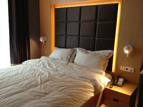 Amadi Park Hotel: Bedroom