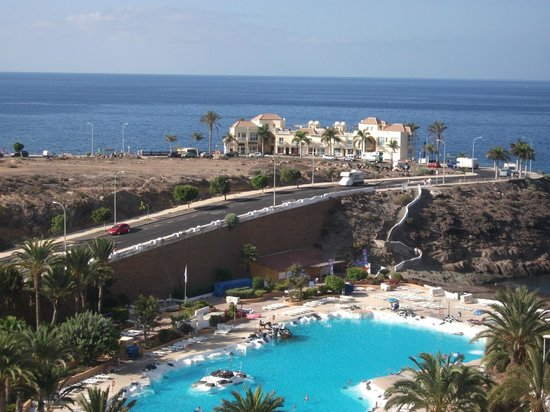 Hard Rock Hotel Tenerife: view of the lido from first floor