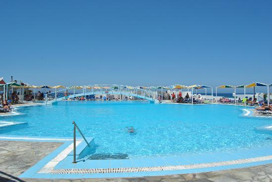 Mitsis Rinela Beach Resort & Spa : Main Pool
