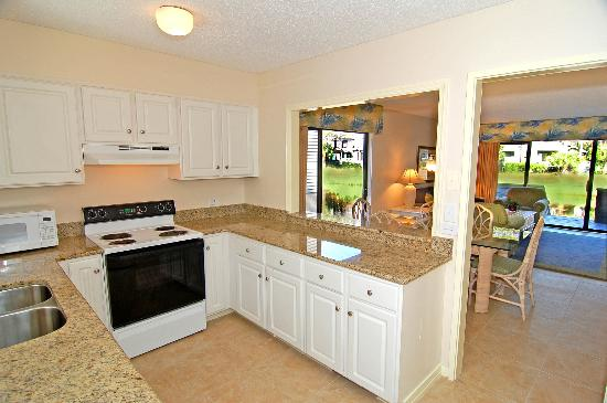 Ocean Cove Club at Palmetto Dunes: Kitchen