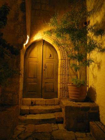 Ambrosia Restaurant: Una porta di Lindos
