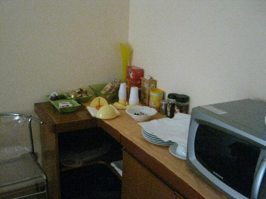 Il B&B: Cucina, angolo colazione. La mattina si trova tutto sul tavolo, con tante altre cose buone