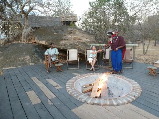Maweninga Camp: Fire pit and cocktail hour