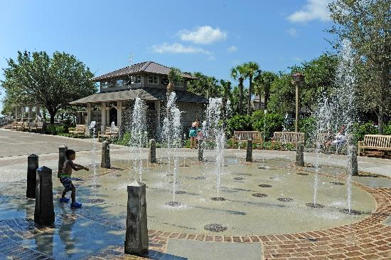 Sands Village At North Forest: Water Feature