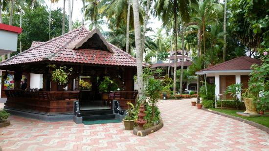 Akhil Beach Resort: Dining Area at Main Entrance
