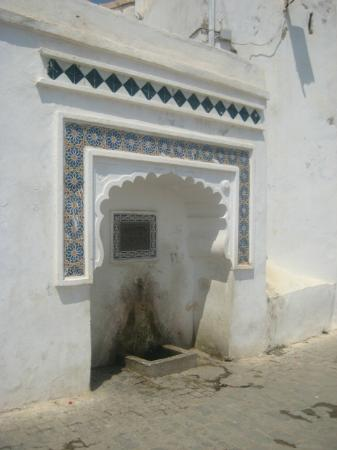 Kasbah of Algiers: fontaine