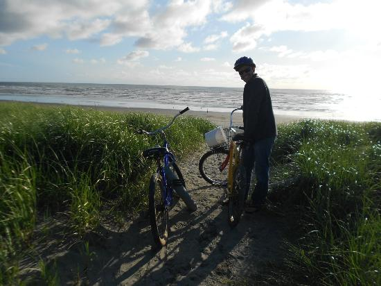 Beautiful bike ride down to the beach using the bicycles provided by Gearhart Ocean Inn