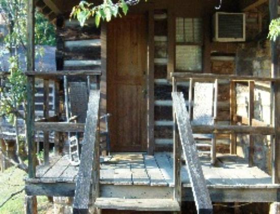 Brevard Inn and Cabins: Brevard Inn