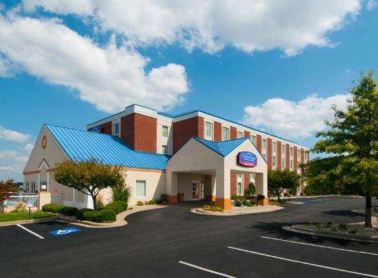 Fairfield Inn & Suites Beckley: Bright and Beautiful!
