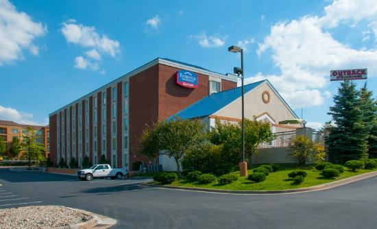 Fairfield Inn & Suites Beckley : West view of the hotel