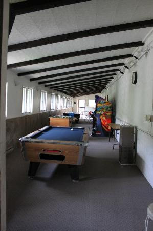 Monarch Mountain Lodge: Game room