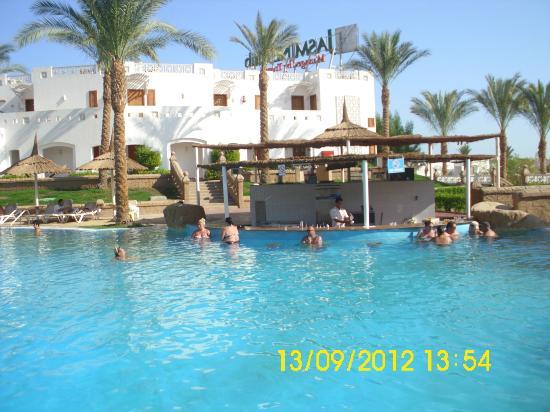 Tropicana Rosetta & Jasmine Club: pool bar