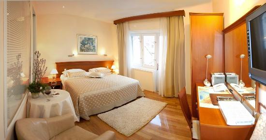 Royal Suites : Modern rooms
